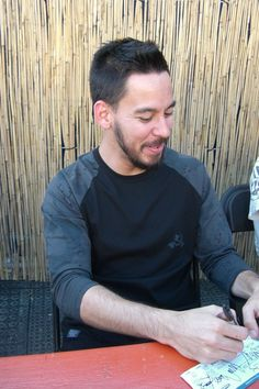 mike shinoda little baby smile so adorable....i probably sound ridiculous...