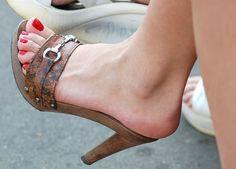 Women High Heels Sandlas Gold Sandal Heels Black Dress Shoes With Spikes Wedding Block Heels With Big Discount Sexy Legs And Heels, Sexy High Heels, Womens High Heels, Black Heels, Wooden Sandals, Sexy Sandals, Sandal Heels, Beautiful High Heels, Sexy Toes