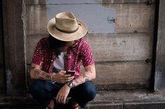 Summer Style。 アロハシャツをデイリーに。 陽気さを抑えてちょっとシックに。  #vintage #aloha #pettern #tops #fashion #style #mens #60s #ootd #ヴィンテージ #アロハシャツ #柄シャツ #半袖シャツ #カジュアル #ファッション #スタイル