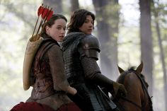 Susan (Anna Popplewell) and Prince Caspian (Ben Barnes) in 'The Chronicles of Narnia: Prince Caspian'. Narnia 2, Narnia Movies, Susan Pevensie, Anna Popplewell, Disney Pixar, Disney Movies, Walt Disney, Period Drama Movies, Period Dramas