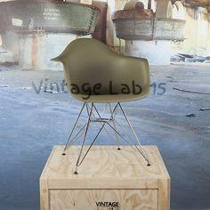 Eetkamerstoelen : DAR style stoel mos - Vintagelab15.com