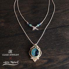 『[Attic Natura] x […』 Collar Macrame, Macrame Colar, Macrame Necklace, Macrame Jewelry, Diy Necklace, Crystal Jewelry, Crystal Necklace, Pendant Necklace, Micro Macramé