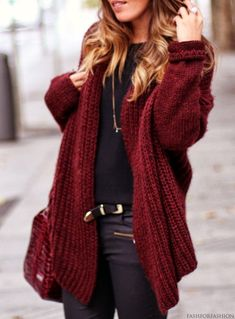maroon garnet oxblood soft cozy large cardigan, tee and skinny jeans combo | casual comfy colorful fall outfit
