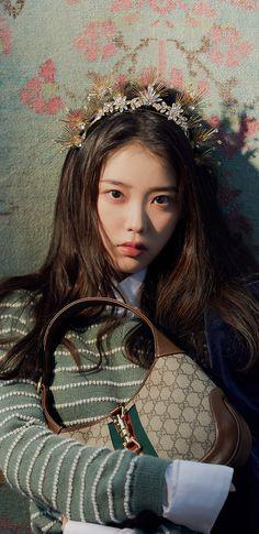 Girl Photo Poses, Girl Photos, Iu Fashion, Editorial Fashion, Iu Twitter, Kpop Aesthetic, Korean Beauty, Korean Singer, Korean Actors