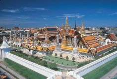 The Grand Palace (พระบรมมหาราชวัง), Phra Borom Maha Ratcha Wang), is definitely the one must-see monument in the Capital. A former Residence of the Thai Royals, it was erected in conjunction with the moving of the capital across the river to the actual Bangkok city. Bangkok!