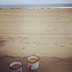 beach coffee by joy the baker, via Flickr~ if it was beach chai tea it would be perfect