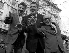 Max Bygraves, Tommy Cooper and Arthur Askey Arthur Askey, Max Bygraves, Tommy Cooper, Norma Jean Marilyn Monroe, Saint James, Comedians, Famous People, Comedy, Tv Shows