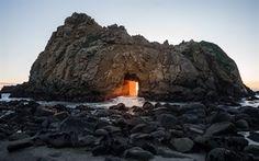 Scarica sfondi Big Sur, roccia, Spiaggia di Pfeiffer, sole, tramonto, California, USA