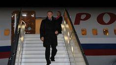 Путин прилетел в Крым для запуска первой нитки энергомоста.