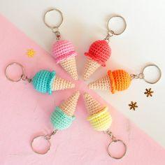 CROCHET - KEYCHAIN / PORTE-CLE / SLEUTELHANGER - https://www.etsy.com/listing/289117611/ice-cream-keychain-crochet-keychain