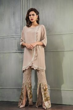 Women Clothing Near Me Info: 4482964556 New Pakistani Dresses, Shadi Dresses, Pakistani Fashion Casual, Indian Fashion, Pakistani Suits, Trendy Dresses, Fashion Dresses, Fancy Suit, Designer Party Wear Dresses