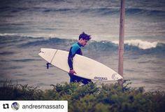 Skal vi surfe? #reiseliv #reiseblogger #reisetips #reiseråd  #Repost @andresmassato (@get_repost)   galicia west  love it