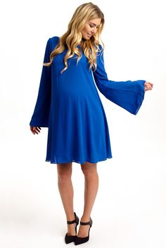 Now you have a go-to date night look thanks to this solid chiffon maternity dress.