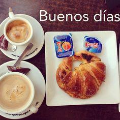 ¡Feliz Domingo!  #ideassoneventos #blog #bloglovin #organizacióndeventos #comunicación #protocolo #imagenpersonal #bienestarybelleza #decoración #inspiración #bodas #buenosdías #goodmorning #sunday #domingo #happy #happyday #felizdía #desayuno #breakfast #ricorico #ñamñam #cafés #coffee #croissant #instafood #buenosmomentos #buenacompañía #placeresdefindesemana