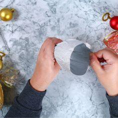 Ange DIY en bouteille recyclée - Une activité de Tête à modeler Christmas Stuff, Diy And Crafts, Teacher, Christmas Crafts, Bricolage Noel, Diy Crafts, Christmas Sewing Projects, Easy Christmas Decorations, Homemade Christmas Decorations