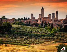 #SanGimignano relax e buona cucina nel #cuore della #Toscana.  #SanGimignano relax and good food in the #heart of #Tuscany. #Alitalia #destination #travel #discover #Italy #airline #explore #new #places