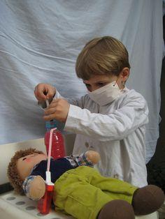 """Rollenspel: chemotherapie via infuus (spelidee uit doe-gedeelte """"Grote Boom is ziek"""")"""