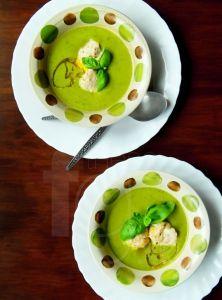 Brokolicovo-bazalkový krém s ricottovými haluškami
