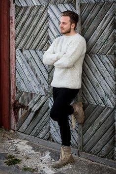 Herresweater i dobbelt perlestrik Bindi, Free Knitting, Free Pattern, Crochet Patterns, Men Sweater, Sky, Sweaters, Inspiration, Fashion