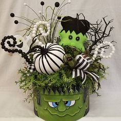 ON SALE Frankenstein Arrangement Halloween Arrangement Moldes Halloween, Adornos Halloween, Manualidades Halloween, Halloween Mug, Outdoor Halloween, Holidays Halloween, Halloween Crafts, Halloween Stuff, Halloween Wreaths
