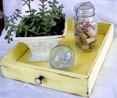 Reutilizar gavetas na decoração e organização é uma ótima maneira de ser sustentável sem perder o estilo (Foto: pinterest.com)