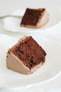 Cakelets and Doilies: Chocolate Cloud Cake (Chiffon Cake)