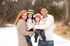 love snow family pictures