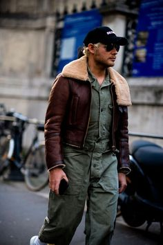 Suede Jacket, Leather Jacket, Chelsea Boots Outfit, Sheepskin Jacket, Aviator Jackets, Winter Trends, Mens Fashion, Fashion Outfits, Style Me