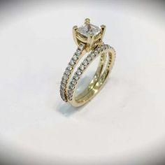 Visita nuestra variedad de anillos en M. Valentin Joyeria o visita nuestra tienda online www.mvalentinjoyeria.com