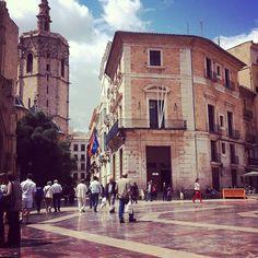 #Plaza de la #Virgen is misschien wel de mooiste bezienswaardigheid van…