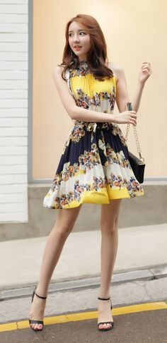[Luxe Asian Women Dresses Fashion Style Korean Model Fashion Clothing] Yellow Tree Dress