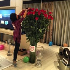 See what bree jurnee' (bree_jurnee) found on We Heart It, your everyday app to get lost in what you love. Black And Red Roses, Valentine Day Gifts, Valentines, Love Me Harder, Passion Photography, Best Valentine's Day Gifts, Girls With Flowers, Flower Shower, Tumblr