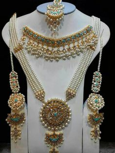 bridal jewelry for the radiant bride Bridal Jewelry Sets, Wedding Jewelry, Bridal Jewellery, Wedding Rings, Stylish Jewelry, Fashion Jewelry, Hyderabadi Jewelry, Moda Indiana, India Jewelry
