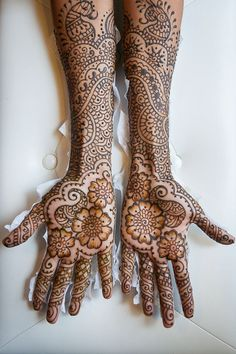 Indian Wedding Photography - Indian Sikh wedding cermony with traditional Indian mehndi designs.