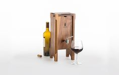 """GadgetFlow calls Oxbox wine preservation system a """"well thought-out thing of vino-drinking beauty."""""""