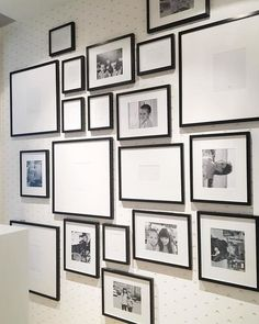 44 unusual wall picture collage decorating ideas on a budget 14 Family Wall Decor, Photo Wall Decor, Photo Wall Collage, Picture Wall, Picture Frames, Family Pictures On Wall, Picture Arrangements, Gallery Wall Layout, A Frame Cabin