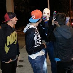 Josh with fans. I can't tell if that's Tyler taking the pic (I feel like it is) or in the mask