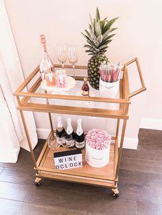 Target bar cart styling, wine oclock, chic bar carts, gold bar cart - Home - Apartment Decor Salon Interior Design, Home Design, Interior Design Living Room, Interior Decorating, Design Design, Decorating Ideas, Design Ideas, Bar Cart Styling, Home Bar Decor