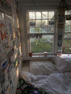 Dream Rooms, Dream Bedroom, Room Ideas Bedroom, Bedroom Decor, Grunge Room, Indie Room, Cute Room Decor, Pretty Room, Aesthetic Room Decor