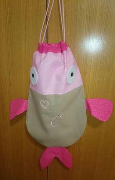 Saco con forma de pez, hecho por nuestra alumna Laura.  http://www.filomaniamadrid.es