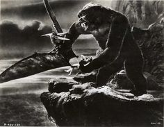 photo King Kong Fay Wray from the classic film King Kong King Kong 1933, Classic Horror Movies, Classic Films, Classic Tv, Fay Wray, Merian, Skull Island, Famous Monsters, Scary Monsters