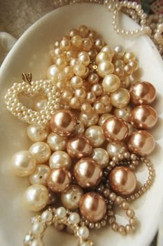 Pop Culture And Fashion Magic: Prolong the Life of your Pearls: How to Properly Care for Pearl Jewelry Pearl Jewelry, Vintage Jewelry, Vintage Pearls, Pearl Bracelet, Bangle Bracelet, Wedding Jewelry, Gold Jewelry, Vintage Accessoires, Living In London