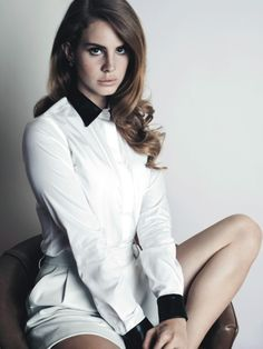 lana del ray- I love her music, voice, style, everything... <3