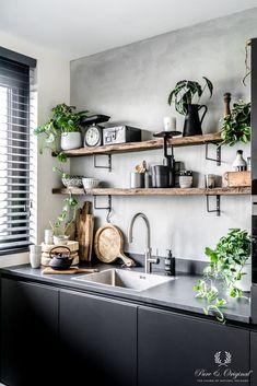 Modern Kitchen Interior Vintage Kitchen Design and Decor Ideas. Kitchen Shelves, Diy Kitchen, Design Kitchen, Kitchen Ideas, Awesome Kitchen, Kitchen With Plants, Modern Kitchen Wall Decor, Kitchen Lamps, Kitchen Cabinets