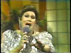 """Olga Guillot  """"Tu me acostumbraste"""", """"Cuando salgo al escenario"""" """"Aprendiz de paloma, volaras"""""""