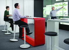 Hoop can be used alone for small group collaboration or as an accessory within a space. Or, combine multiple tables to support large group applications.