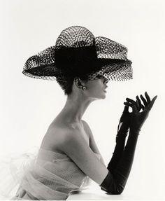 Black and white retrò    #love #romantic #fashion #cool    www.ireneccloset.com