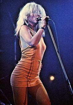 Debbie Harry as Blondie Blondie Debbie Harry, Rock Roll, Filles Punk Rock, Chica Punk, Colani, Women Of Rock, Joan Jett, Recital, Female Singers
