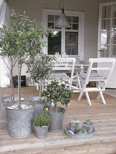 En blogg om hus och hem. Förälskelse i det vita med trendig och personlig touch.