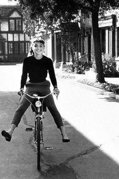 Always so inspiring Audrey Hepburn. GET HER LOOK